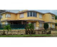 Vivienda de 3 cuartos y 3 baños en municipio Playa (2da Planta)