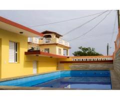 Aproveche y alquile una casa en la playa Boca Ciega con 5 habitaciones y piscina