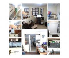 Se vende/Permuta Casa en el Vedado (Bajos). /// 78319096 / 54312941 / 54026540.