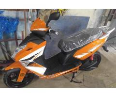 MOTO AVA AGUILA III 1800 CUC color blanco y naranja , Cel 58180225