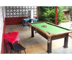 Hospédese en una bella Casa en la playa Guanabo. Disfrute la piscina y 6 cuartos