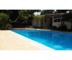 Rento casa con piscina en Siboney capacidad 6 personas 72722978, 53024009